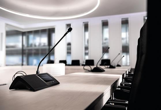 Conferentiesysteem met stemmogelijkheid