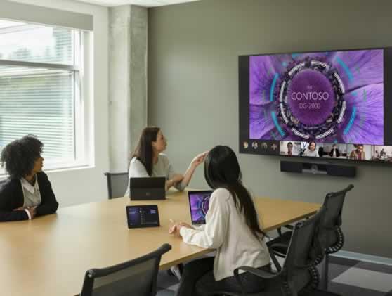 Hybride vergadering met all-in-one videoconferentie-oplossing