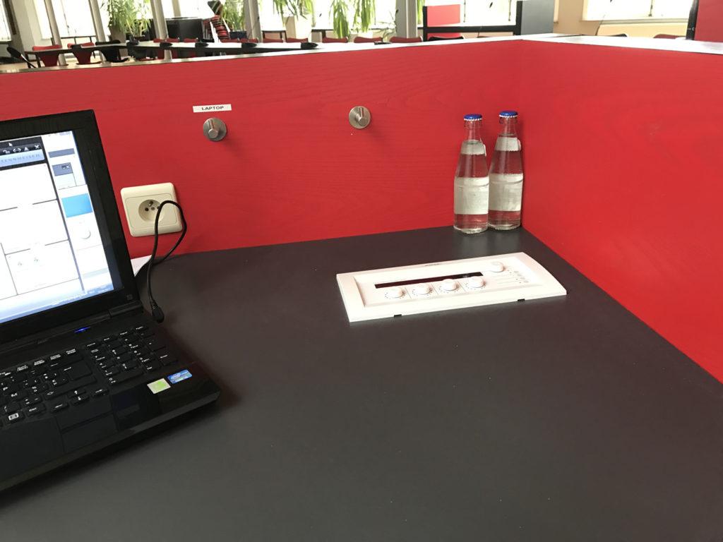Polyvalente ruimte presentatiedesk