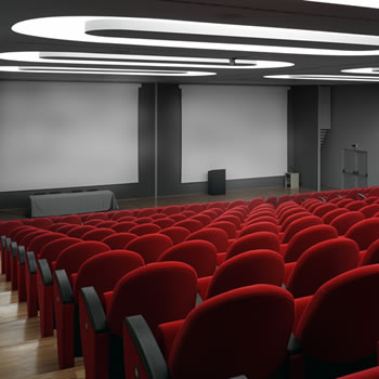 Projectiescherm in auditorium